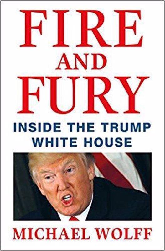 De voorkant van het boek met de titel : Fire and Fury