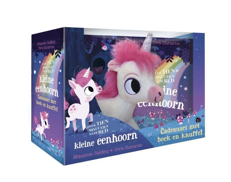 De voorkant van het boek met de titel : Over tien minuutjes naar bed kleine eenhoorn + knuffel