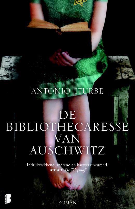 De voorkant van het boek met de titel : De bibliothecaresse van Auschwitz