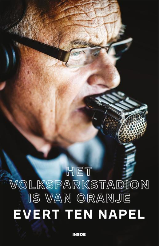 De voorkant van het boek met de titel : Het Volksparkstadion is van Oranje