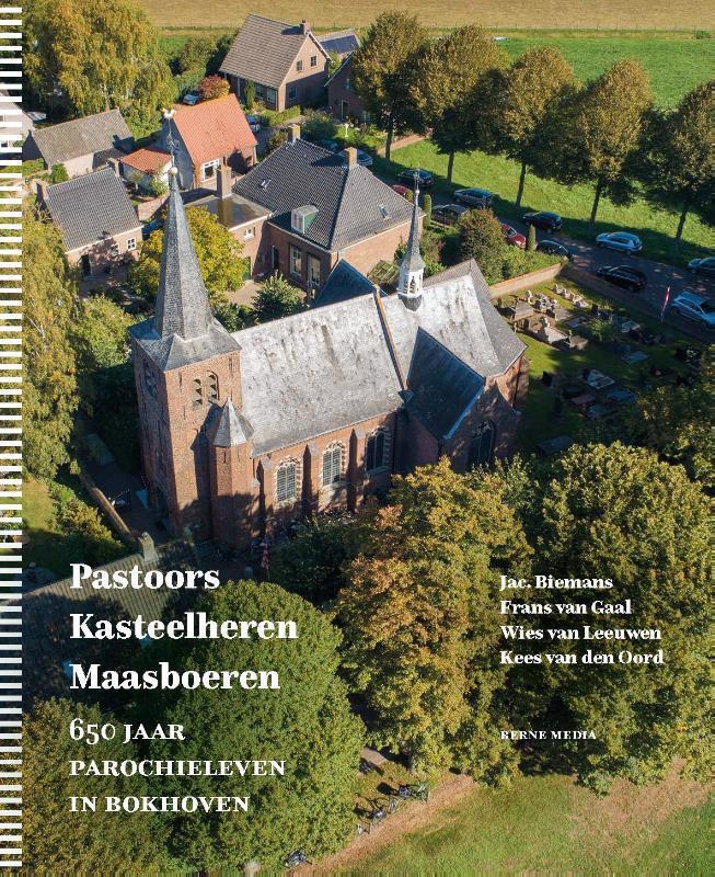 De voorkant van het boek met de titel : Pastoors, Kasteelheren, Maasboeren